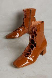 Лаковые светло-коричневые ботинки