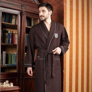 Коричневый мужской халат