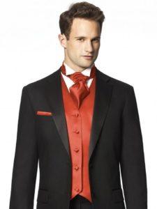 красный шейный платок