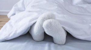 спать ли в носках
