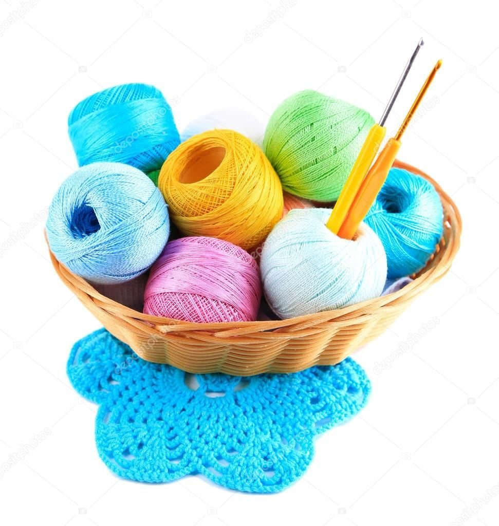 Пряжа и крючки для вязания