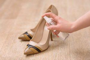растянуть туфли специальным средством