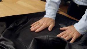 разглаживание руками