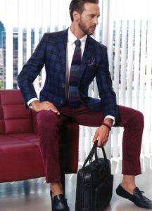 деловой стиль с брюками бордо