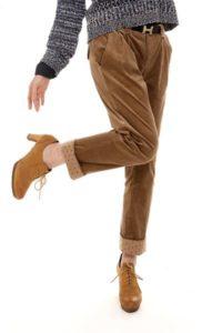 с чем сочетать вельветовые брюки