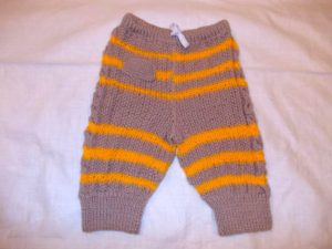 Детские штанишки из свитера