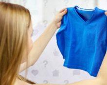 маленький синий свитер