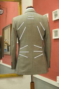 ушиваем пиджак в талии