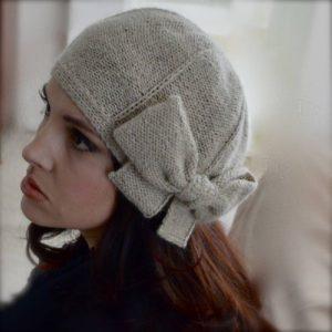 Вязаная серая шапка под норковую шубу