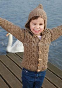 детский коричневый жилет с капюшоном