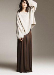 юбка в пол и объёмный свитер