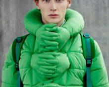 с чем носить зелёный пуховик