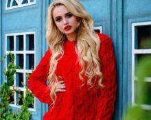 с чем носить красный свитер