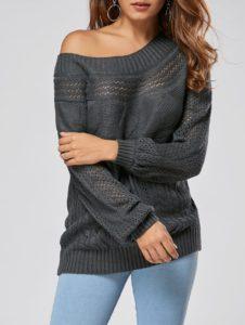Чёрный свитер с открытым плечом