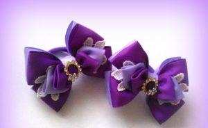 Бантики фиолетового цвета.