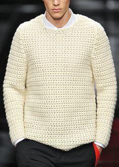 Белый свитер крючком