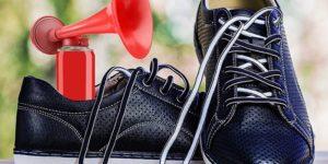 скрипучие кроссовки