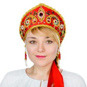 современная девушка в кокошнике