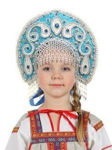 девочка в голубом кокошнике