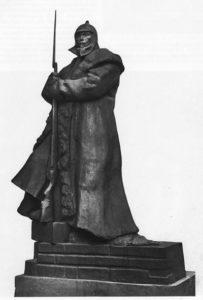Памятник с солдатом в тулупе