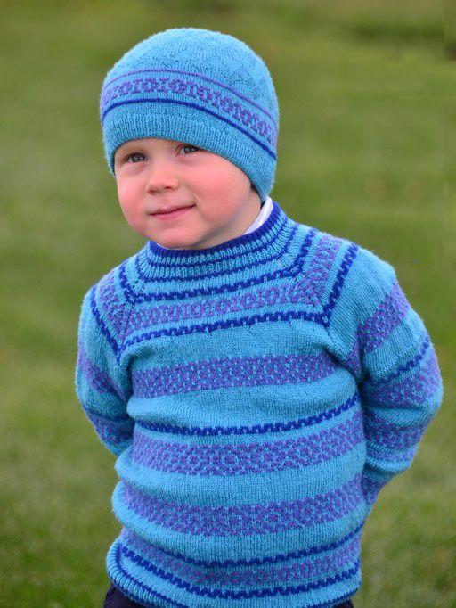 Голубой свитер реглан
