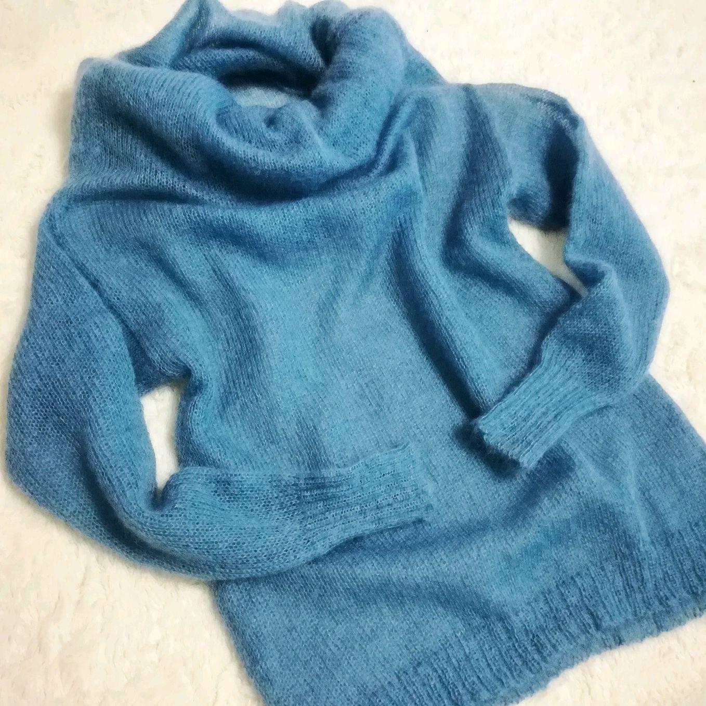 Голубой свитер 2