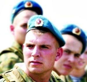 военные в беретах
