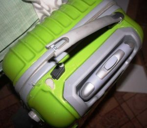 Зеленый чемодан