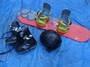 снаряжение и ботинки для сноуборда