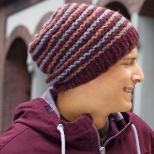 Коричневая шапка для мужчин