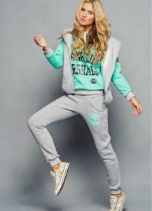 серо-зеленый модный женский спортивный костюм