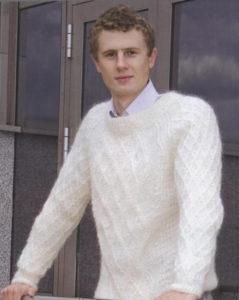 Мужской белый свитер 1