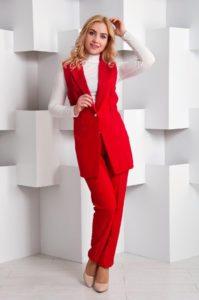 Красный модный костюм