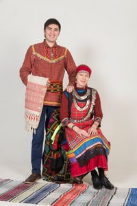 женщина и мужчина удмурты