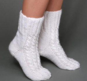 Белые носки с рисунком