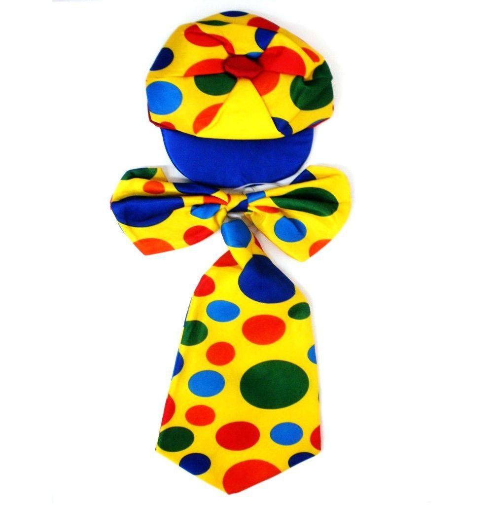 кепка и галстук клоуна