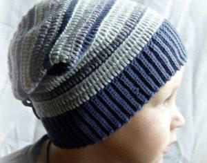 Полосатая шапка бини для мальчика