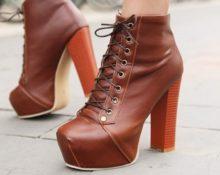 рыжие ботильоны на шнуровке