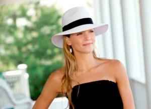 чёрно-белая шляпа