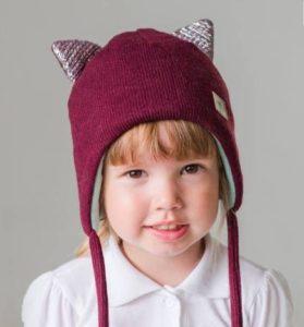 Детская шапка с ушками бордовая