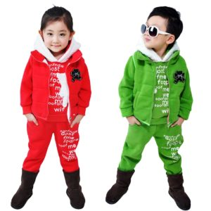 детский спортивный костюм с принтами