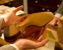 дырка в подошве ботинка что делать