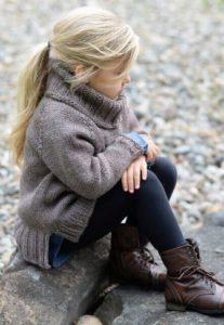 джемпер на маленькую девочку