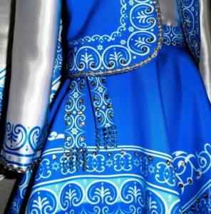 Еврейская одежда для женщин голубая