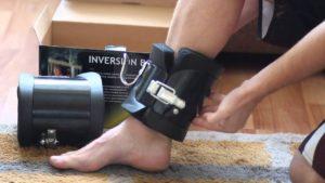 инверсионные ботинки на ноге