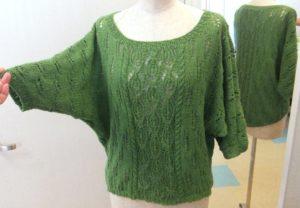 """Легкий зелёный свитерок """"летучая мышь"""""""