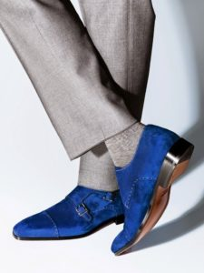 Красивые замшевые синие туфли
