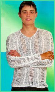 Легкий свитерок белого цвета крючком