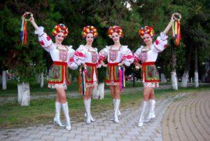 Современные белорусские костюмы