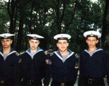 почему моряки носят бескозырки